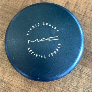 MAC Studio Sculpt Defining Powder - Medium Deep